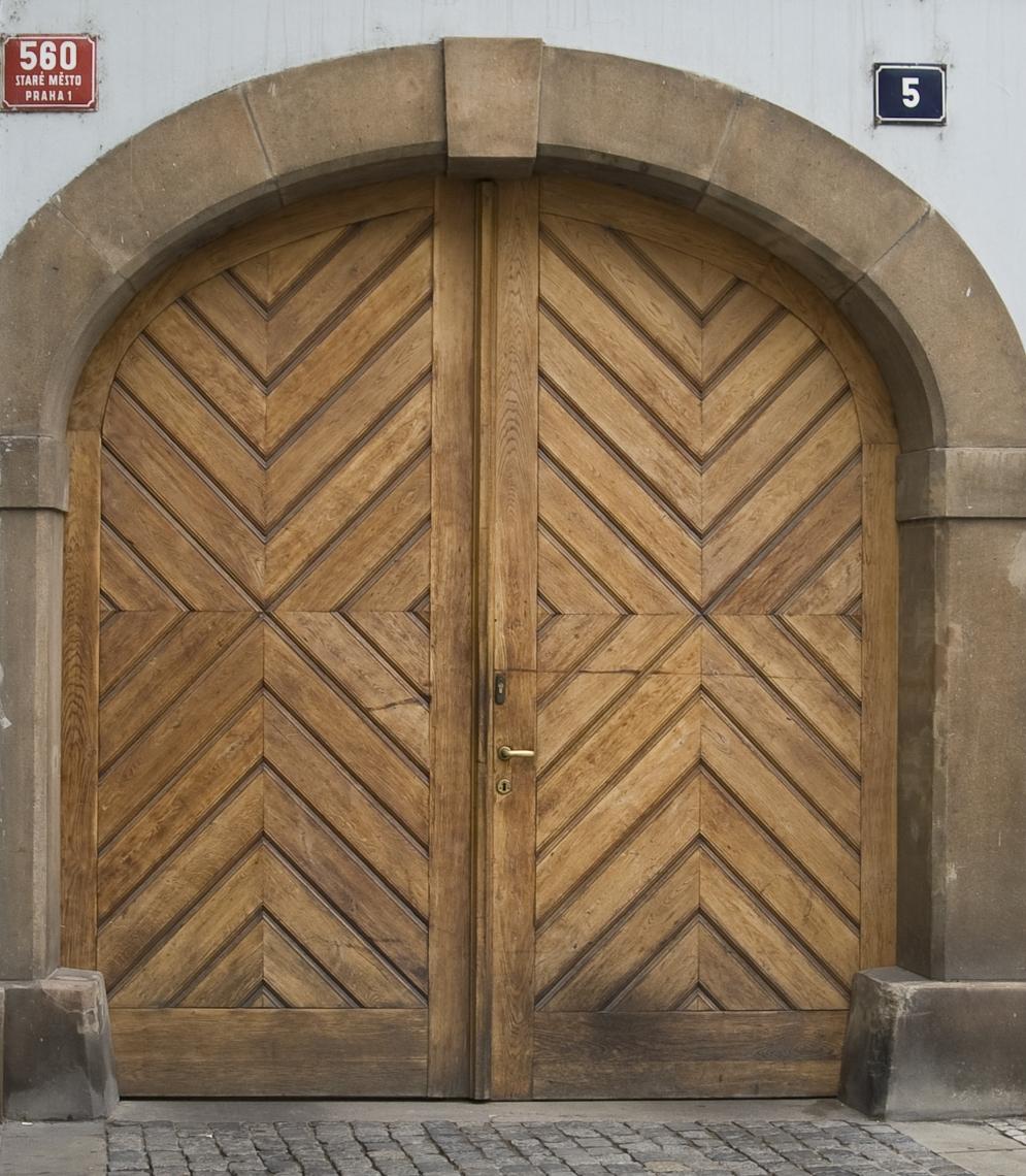 DoorsHouseOld0325