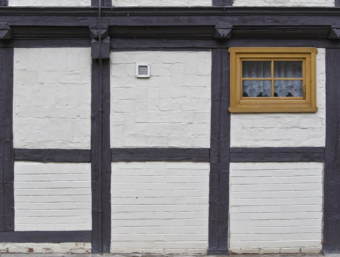 Tudor Wall Brickwork