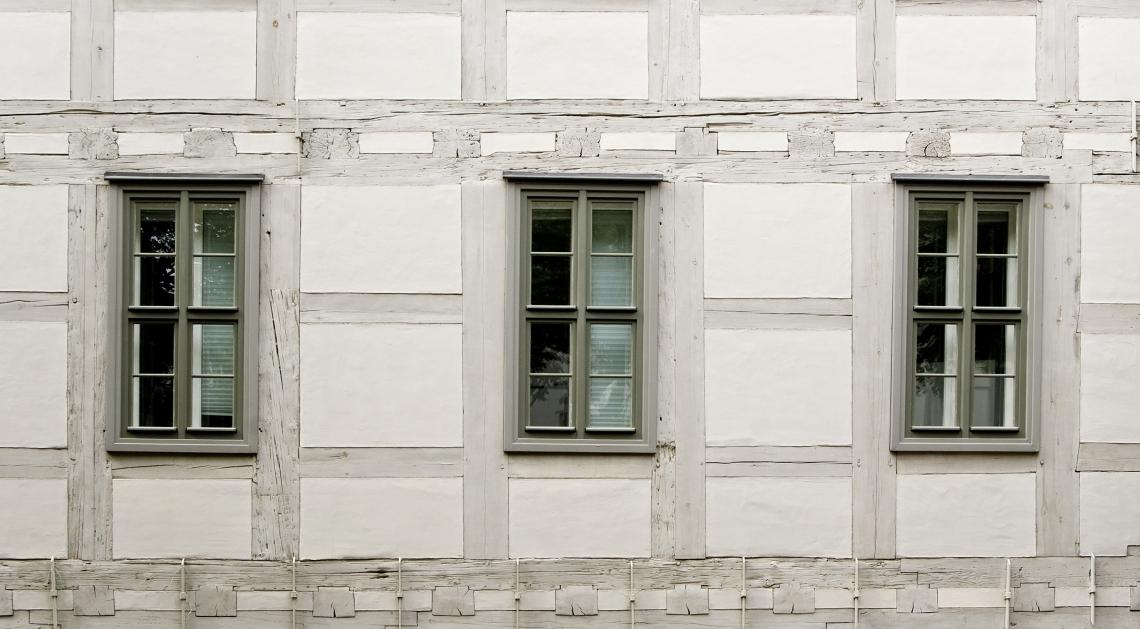 Tudor Wall White