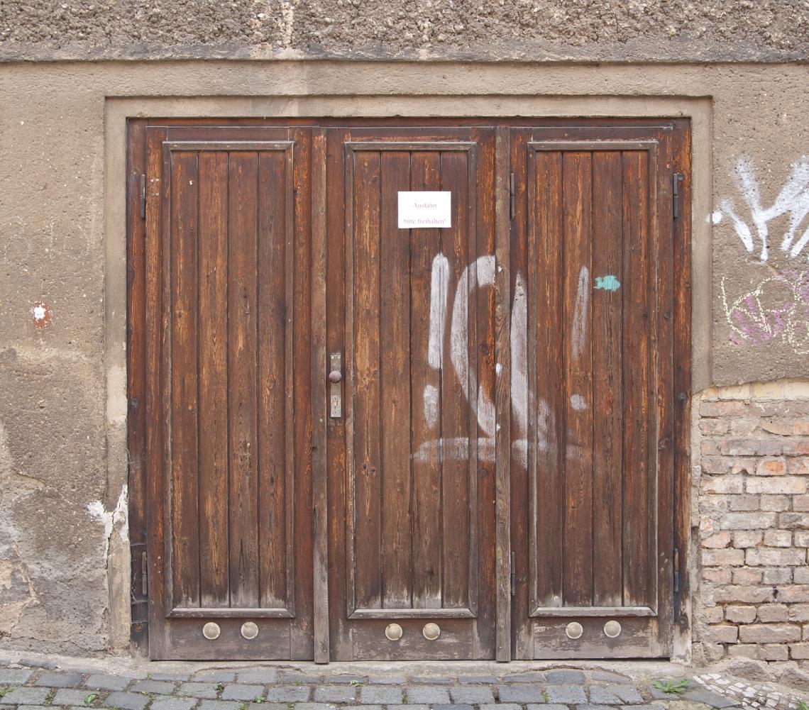 DoorsGarage0106