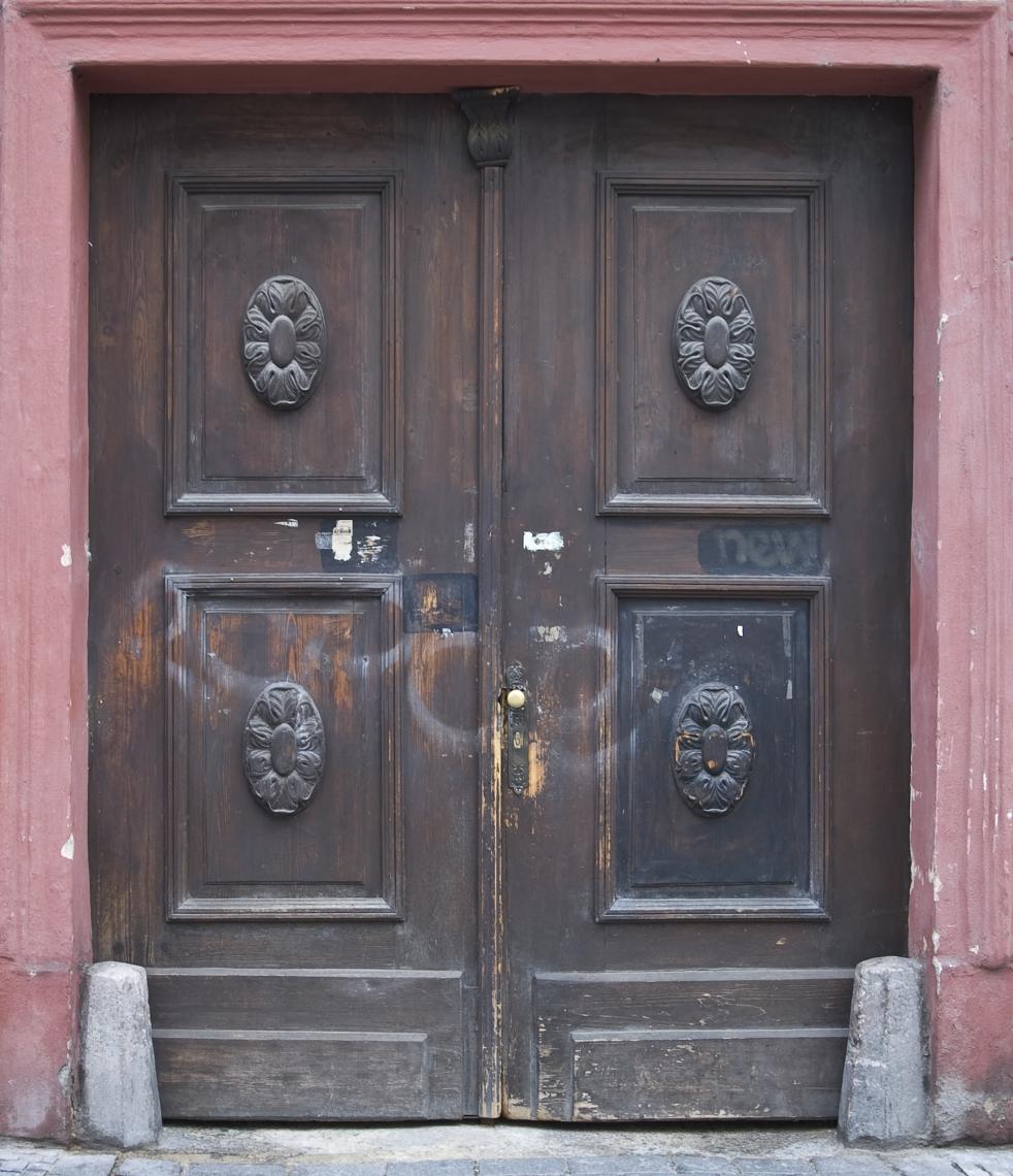 DoorsHouseOld0320