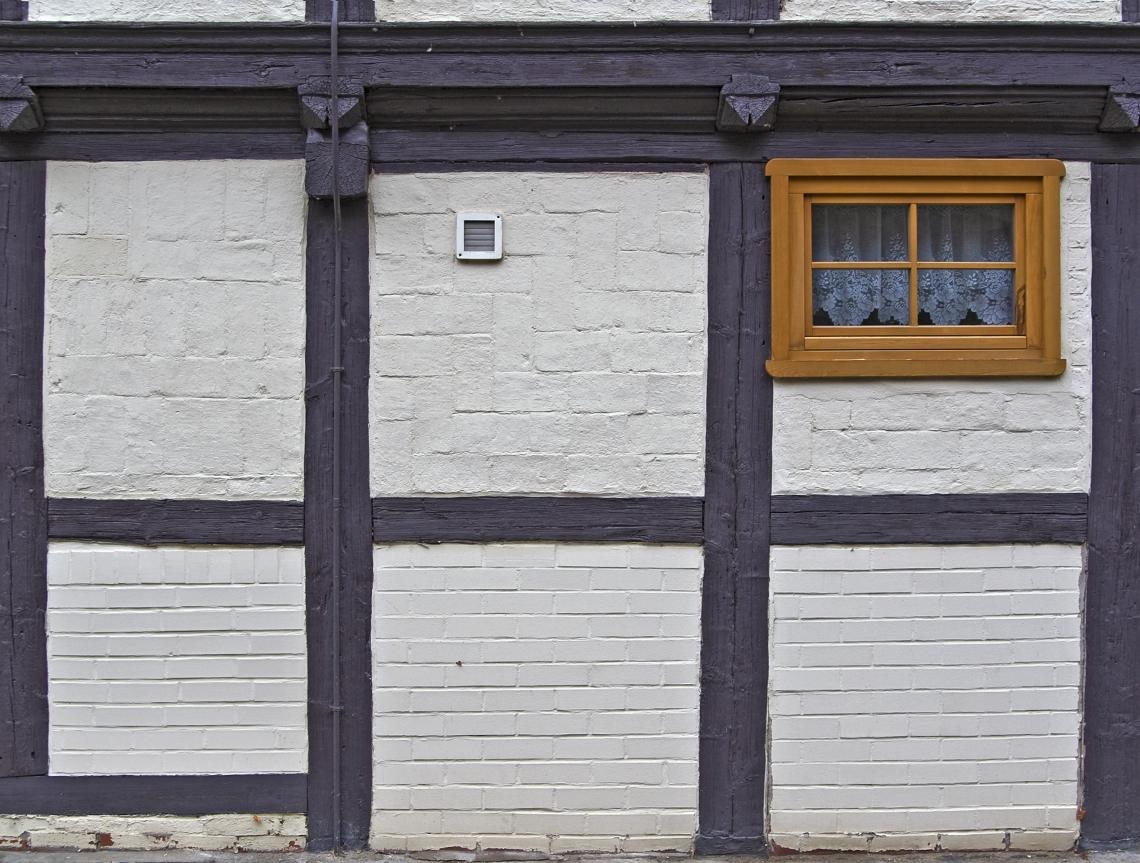 Tudor Wall Brick