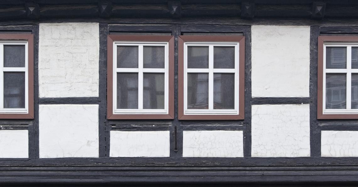 Tudor Wall Plain