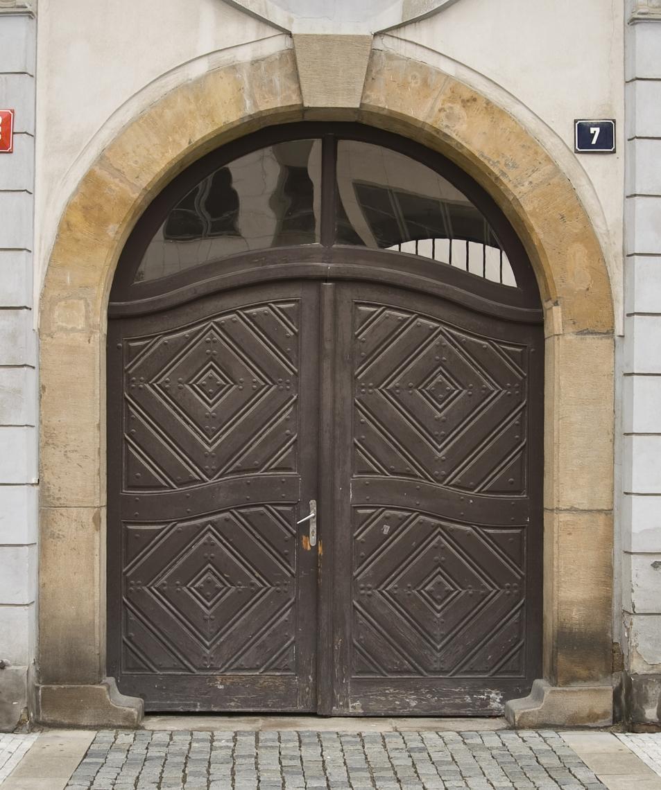 DoorsHouseOld0326