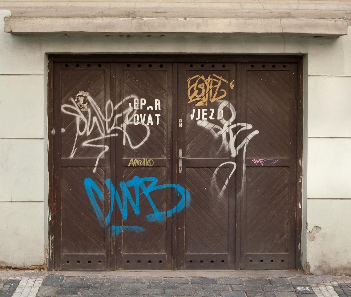 DoorsGarage0110