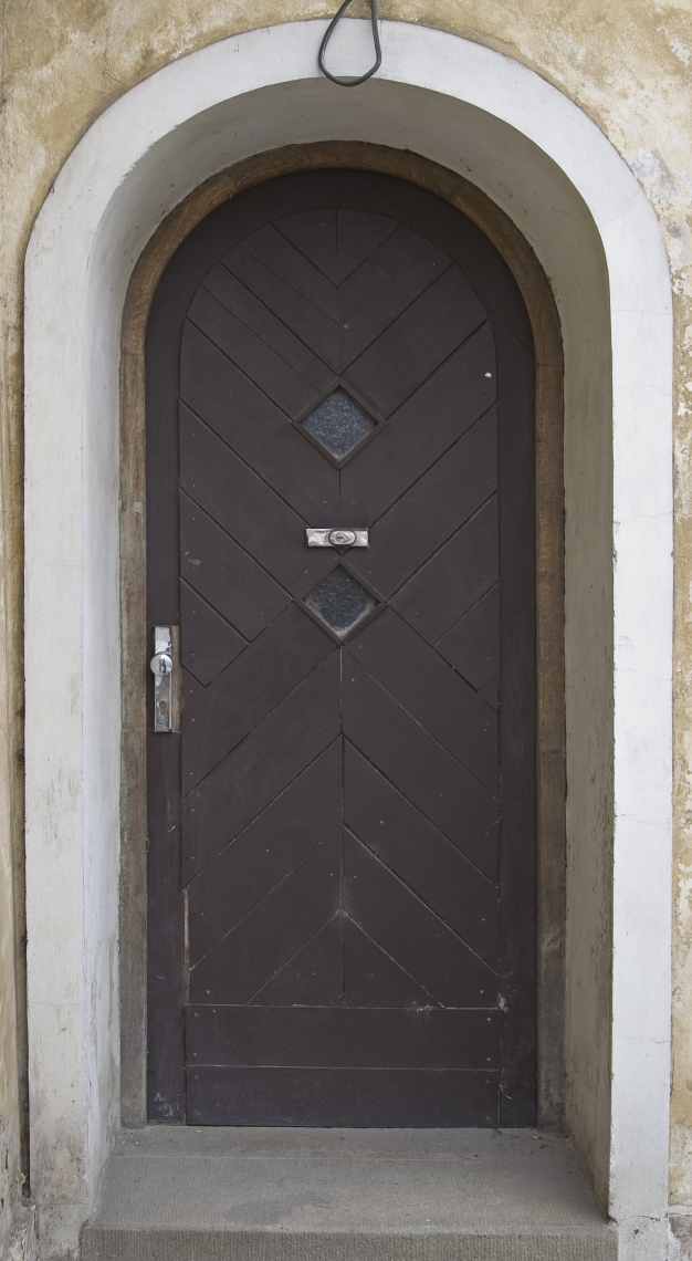 DoorsHouseOld0328