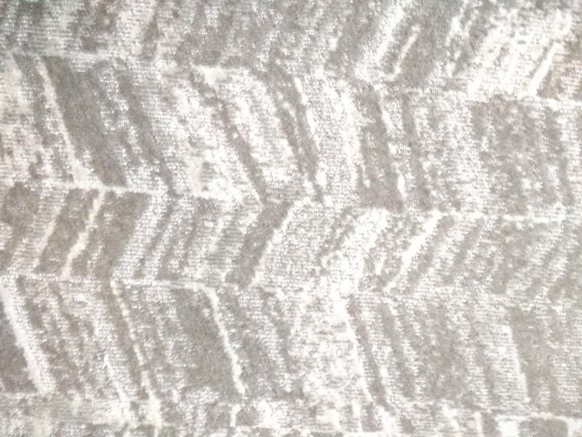 V pattern carpet